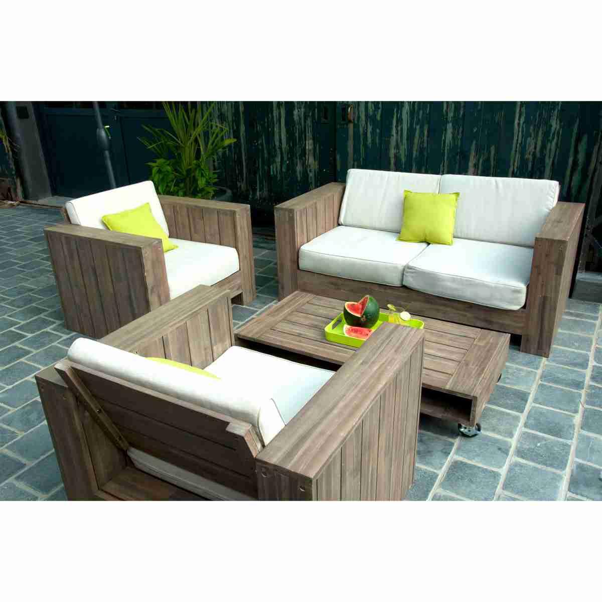 Salon de jardin en bois original