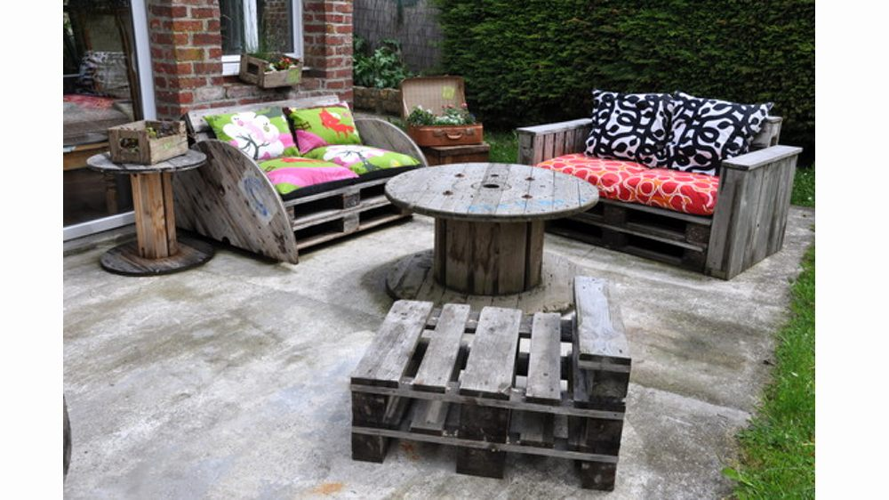 Fabriquer son salon de jardin palette jardin - Fabriquer son salon de jardin en bois ...
