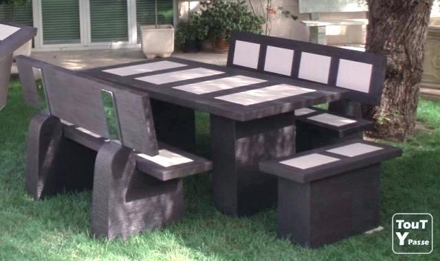 Table salon de jardin en pierre de lave