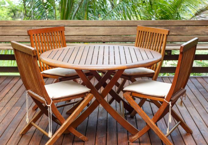 Salon de jardin en bois entretien - Mailleraye.fr jardin