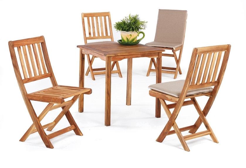 Salon de jardin en bois scandinave