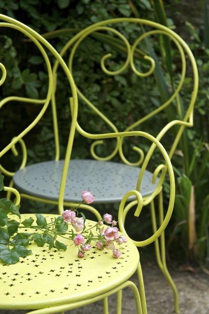 Salon de jardin fer forgé table ronde