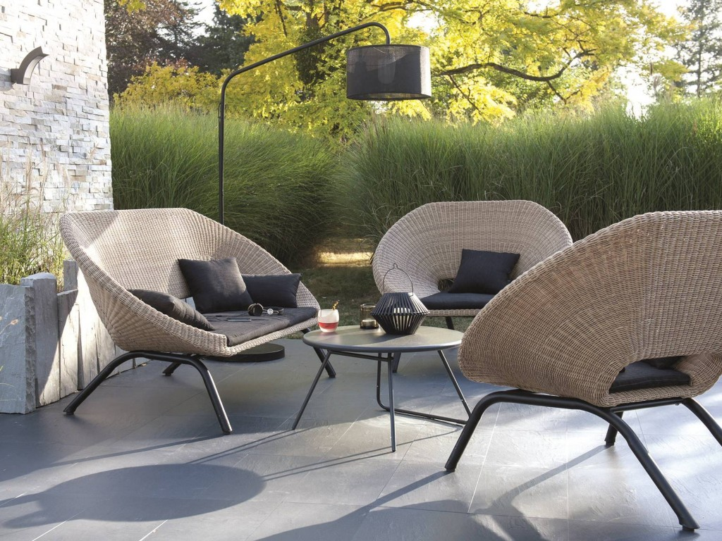 salon de jardin pour balcon pas cher jardin. Black Bedroom Furniture Sets. Home Design Ideas