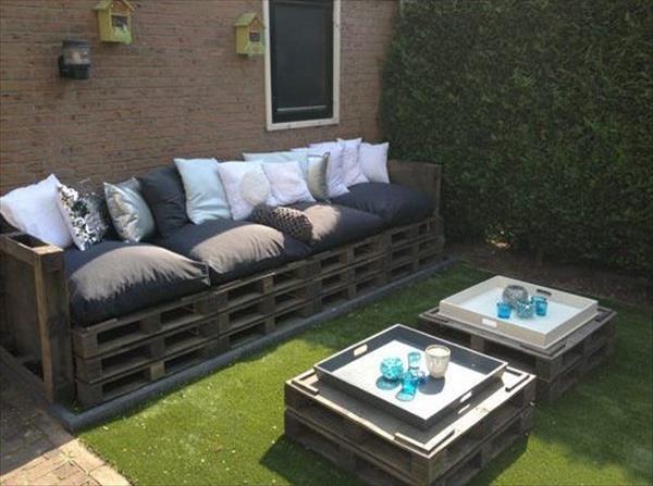 Salon de jardin fabriqué avec des palettes - Mailleraye.fr jardin