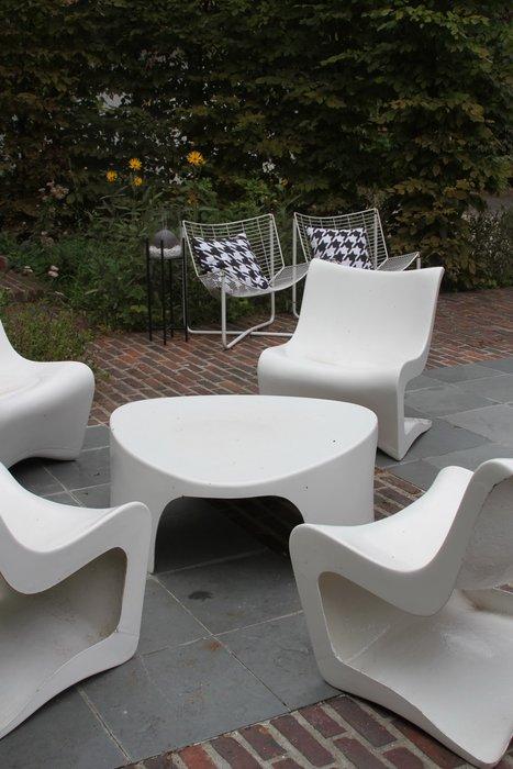 Salon de jardin en plastique moulé - Mailleraye.fr jardin