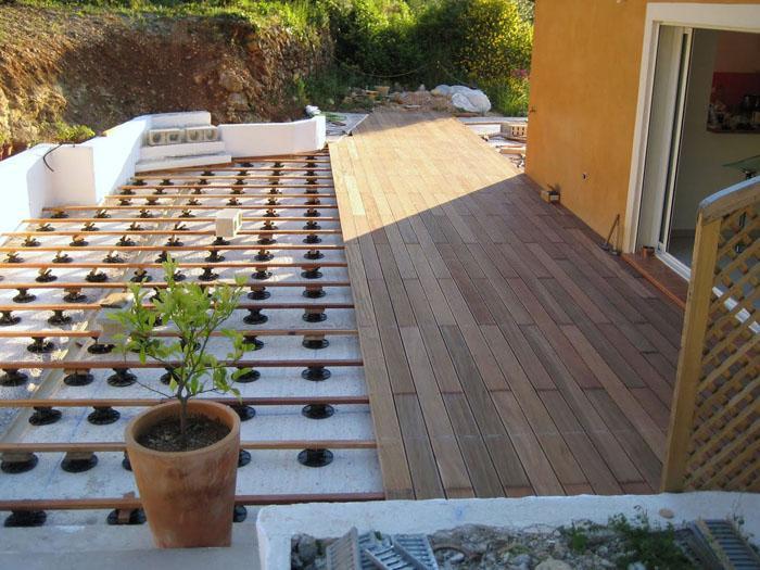 Terrasse avec caillebotis bois