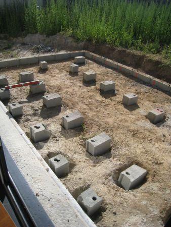 Terrasse bois plots beton