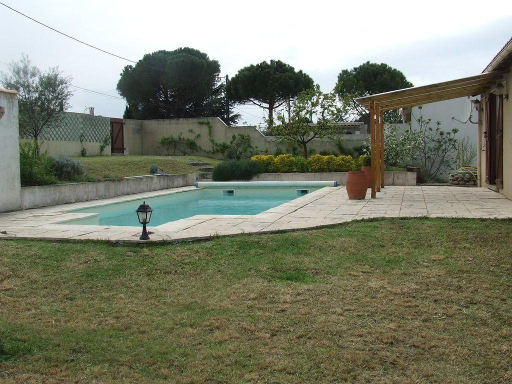 Terrasse maison avec piscine