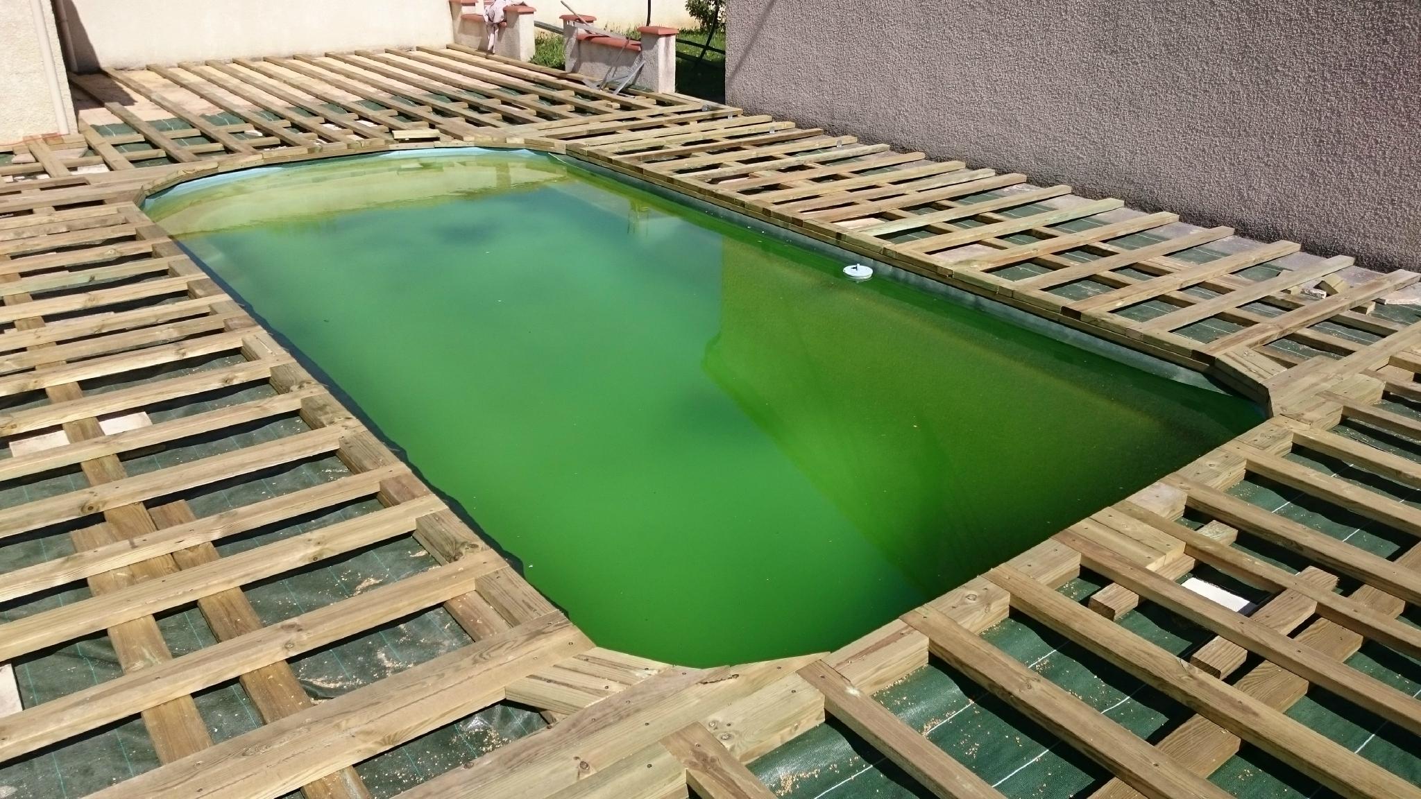 Terrasse beton autour piscine