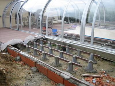 Terrasse bois piscine sur plot