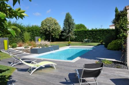 Image terrasse avec piscine