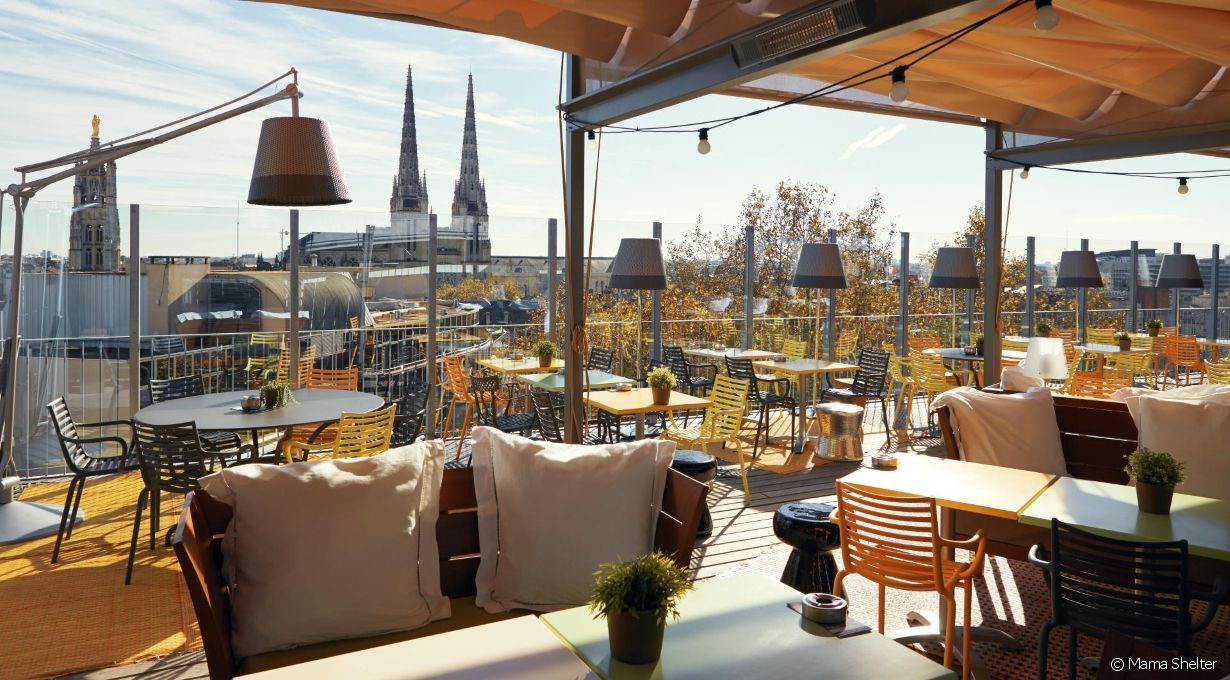 Terrasse couverte pour restaurant