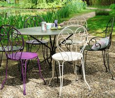 Awesome Table De Jardin Couleur Aubergine Gallery - House ...