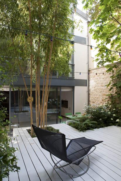 Terrasse bois avec olivier