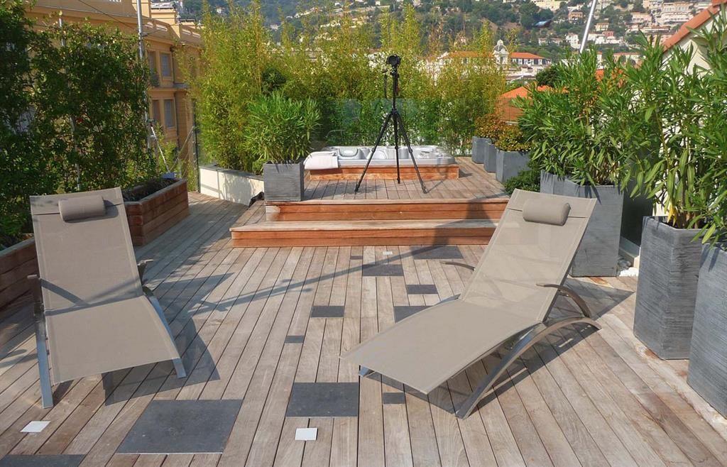 Les terrasse avec jacuzzi