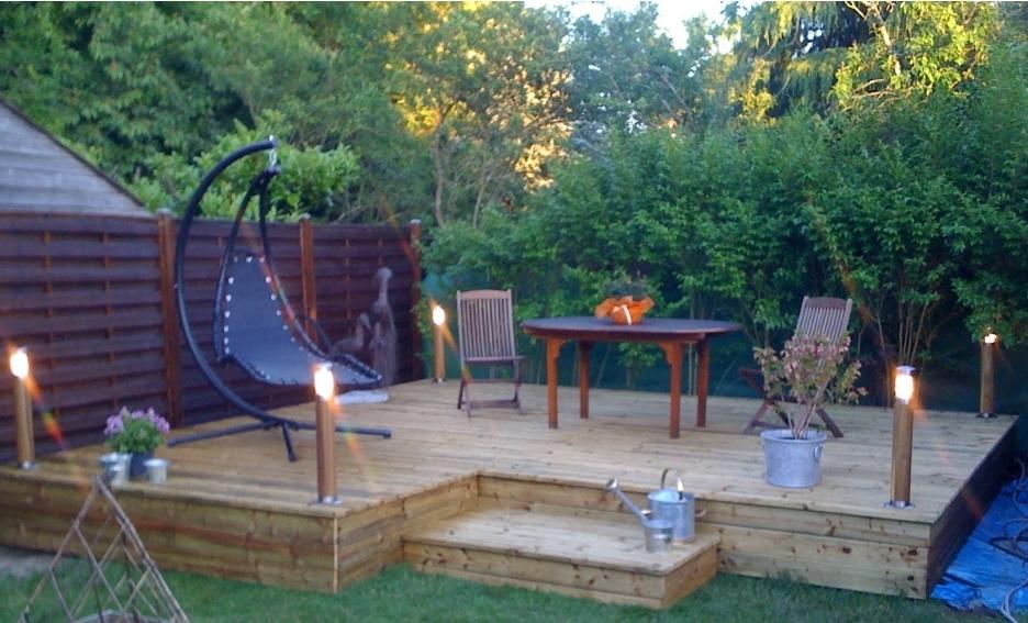 terrasse bois milieu jardin jardin. Black Bedroom Furniture Sets. Home Design Ideas