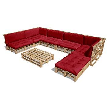 Salon de jardin avec coussin rouge
