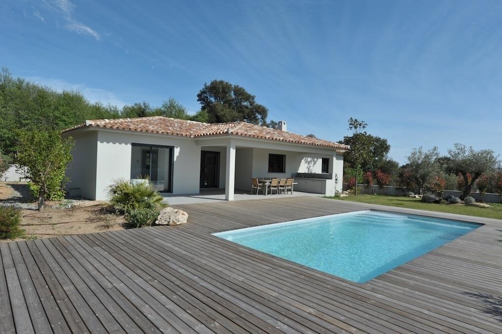Terrasse avec piscine contemporaine
