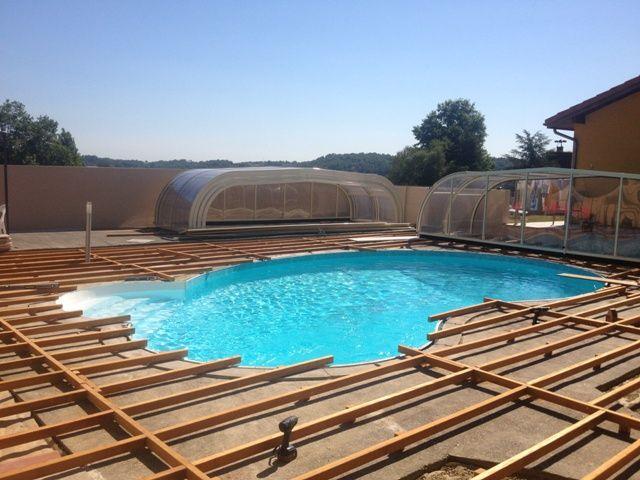Terrasse bois autour piscine ronde