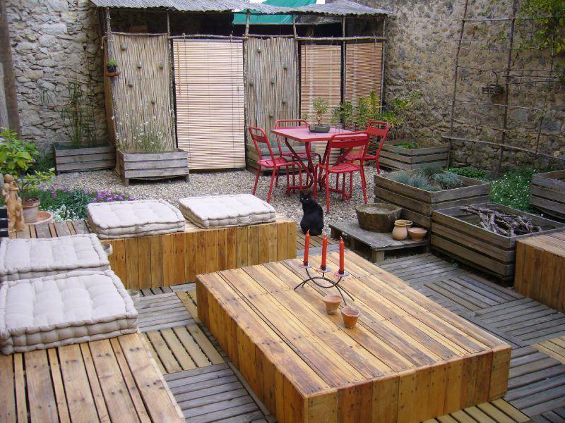 Salon de jardin en bois peint - Mailleraye.fr jardin