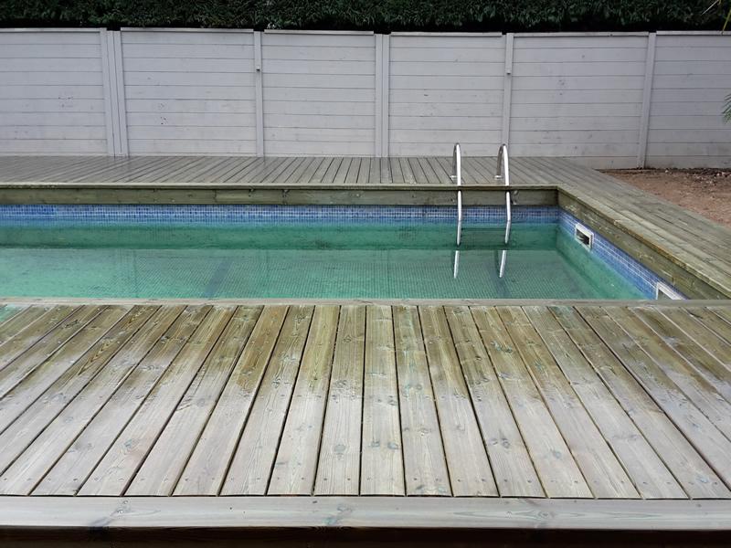 Terrasse bois piscine pin