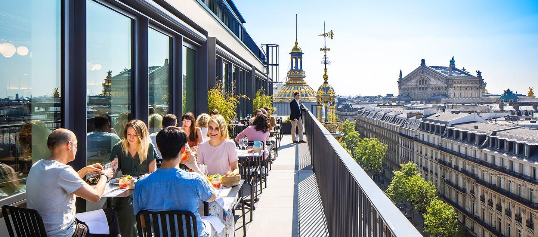 Restaurant terrasse magasin printemps