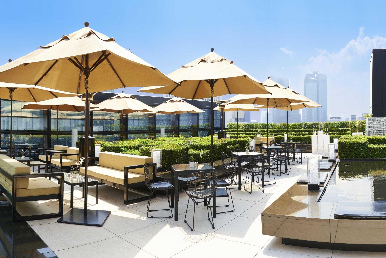 Cafe terrasse tokyo