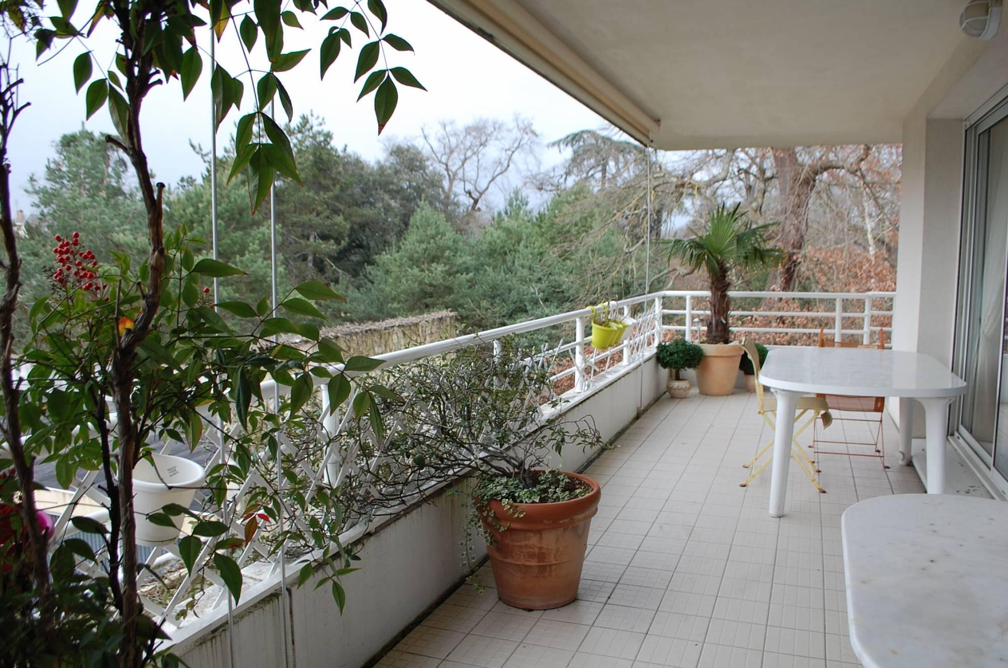 Terrasse avec vue bordeaux