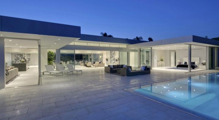 Terrasse avec piscine design - Mailleraye.fr jardin
