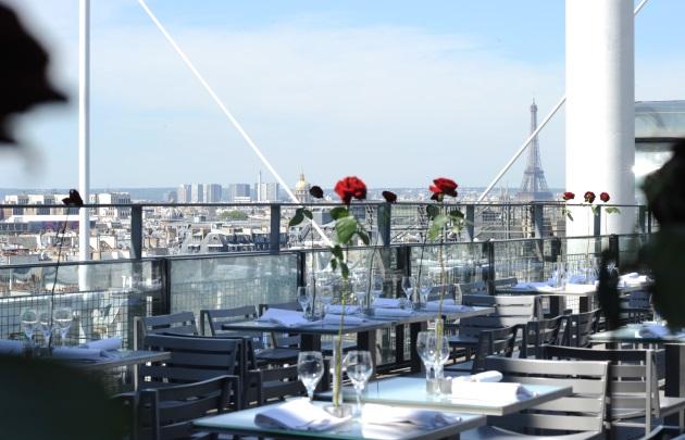 Restaurant terrasse avec vue tour eiffel