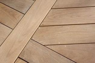 Terrasse bois orientation des lames