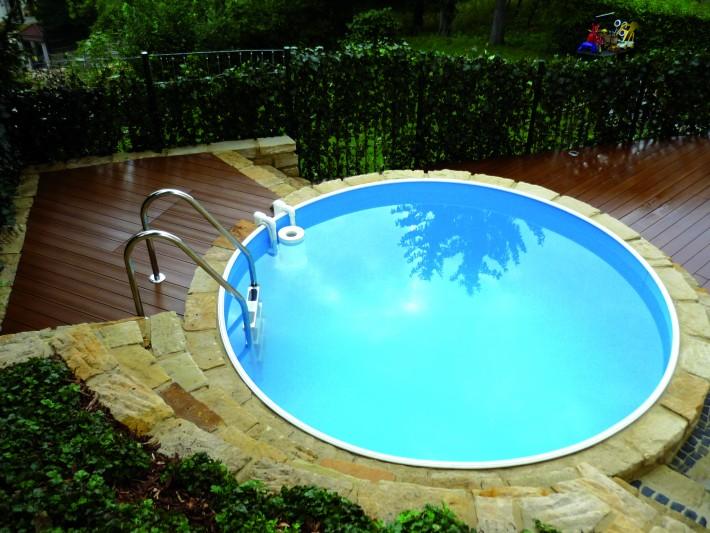 Terrasse bois pour piscine ronde
