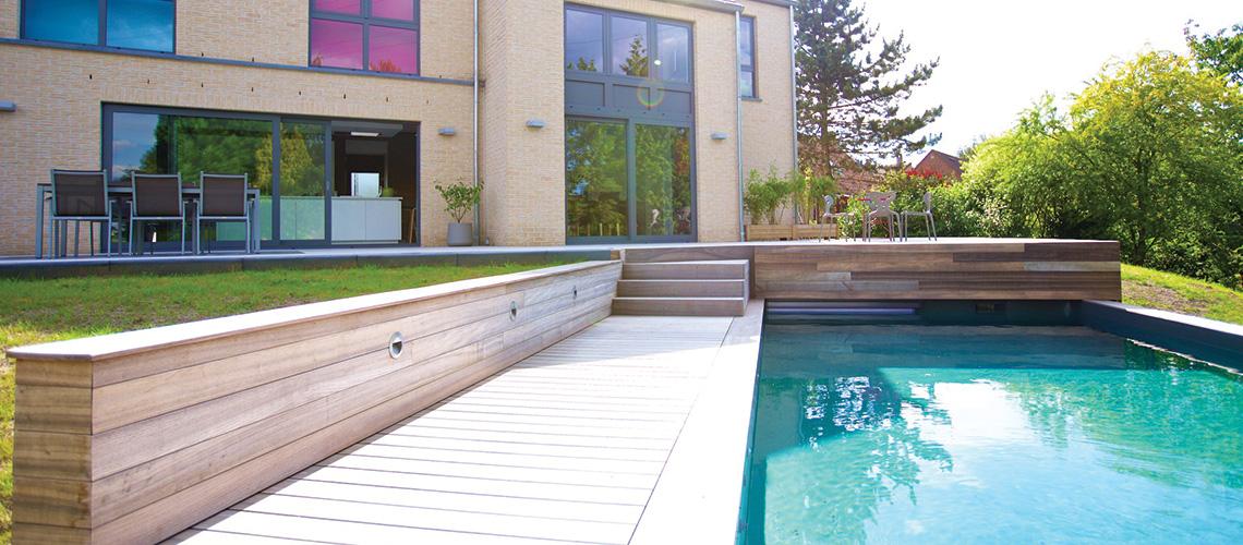 Terrasse bois exterieur piscine