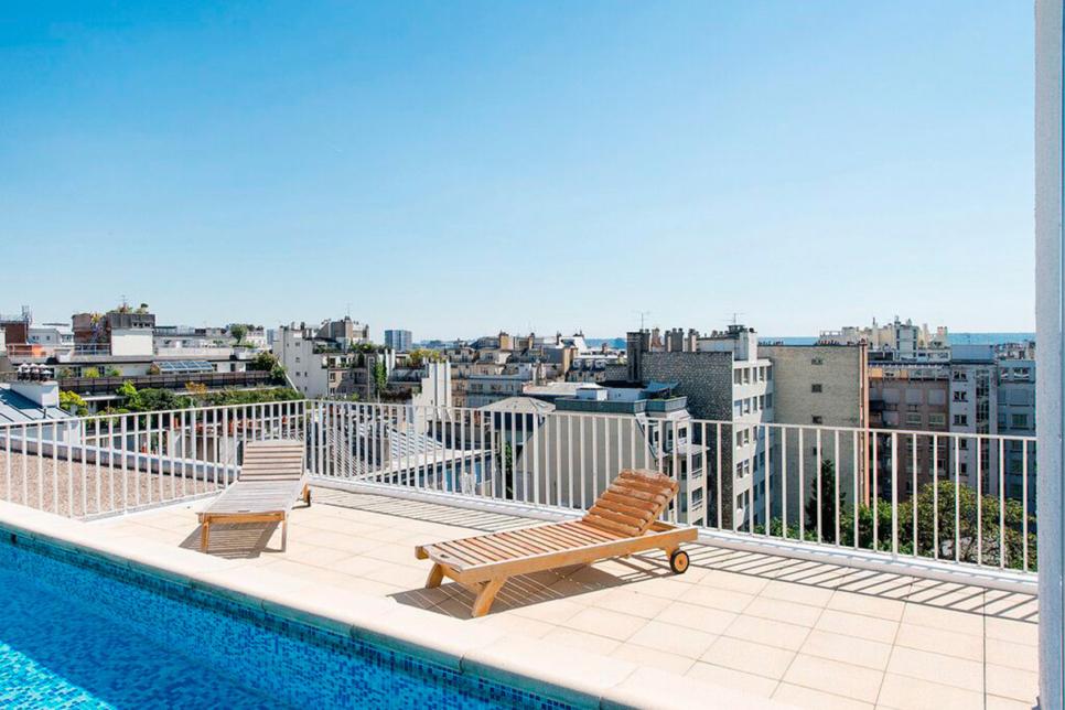 Appartement terrasse avec piscine