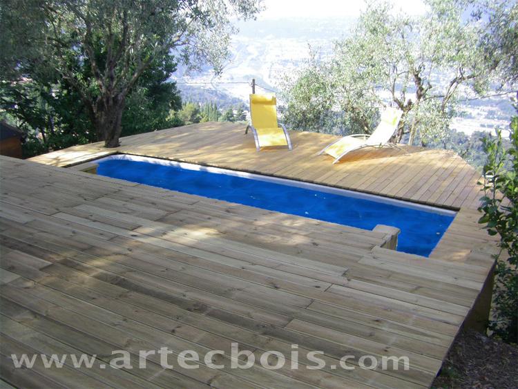 Terrasse suspendue autour piscine