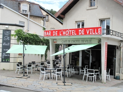 Cafe terrasse bhv