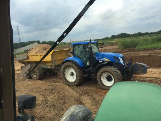 Terrassement tracteur