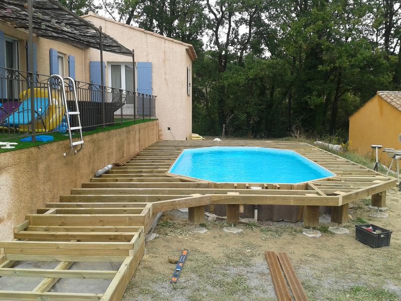 Terrasse bois pour piscine hors sol jardin - Escalier bois pour piscine hors sol ...