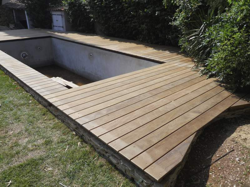 Faire terrasse beton autour piscine