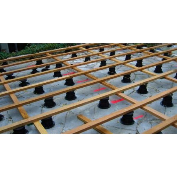 Terrasse bois nombre de plots au m2