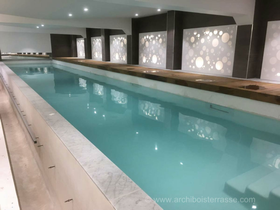 Terrasse bois piscine interieure