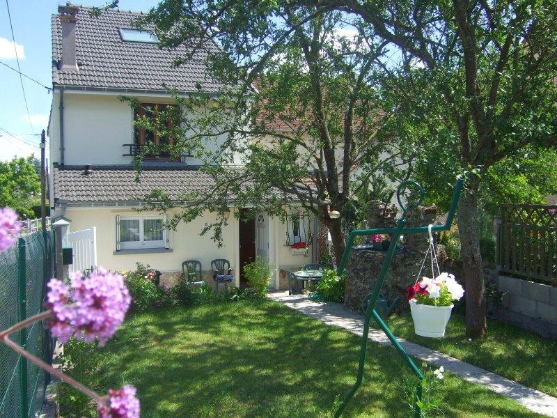 Terrasse et jardin mouroux