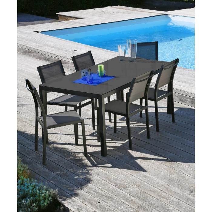 Ensemble salon de jardin table et chaises