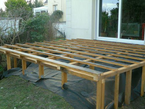 Structure terrasse bois sur pilotis