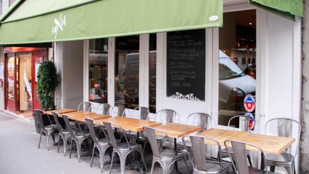 Restaurant terrasse sur le canal saint martin