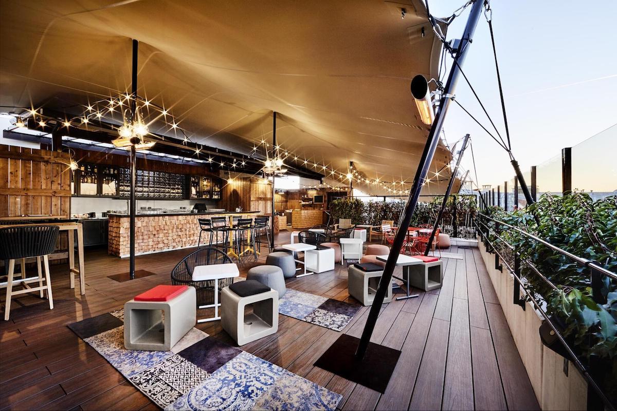 Café terrasse toit paris