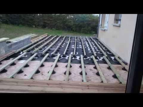 realiser une terrasse en bois youtube jardin. Black Bedroom Furniture Sets. Home Design Ideas