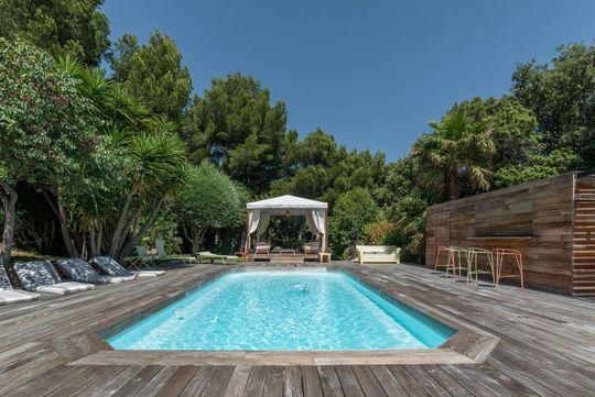 Terrasse avec piscine marseille
