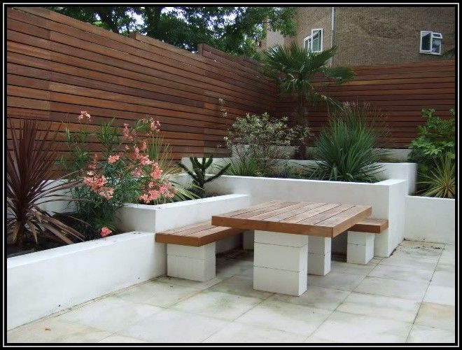Salon de jardin parpaing et bois