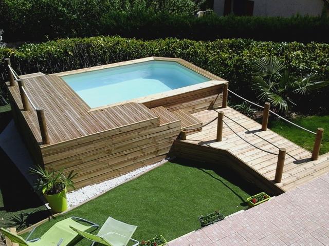 Piscine rectangulaire avec terrasse bois
